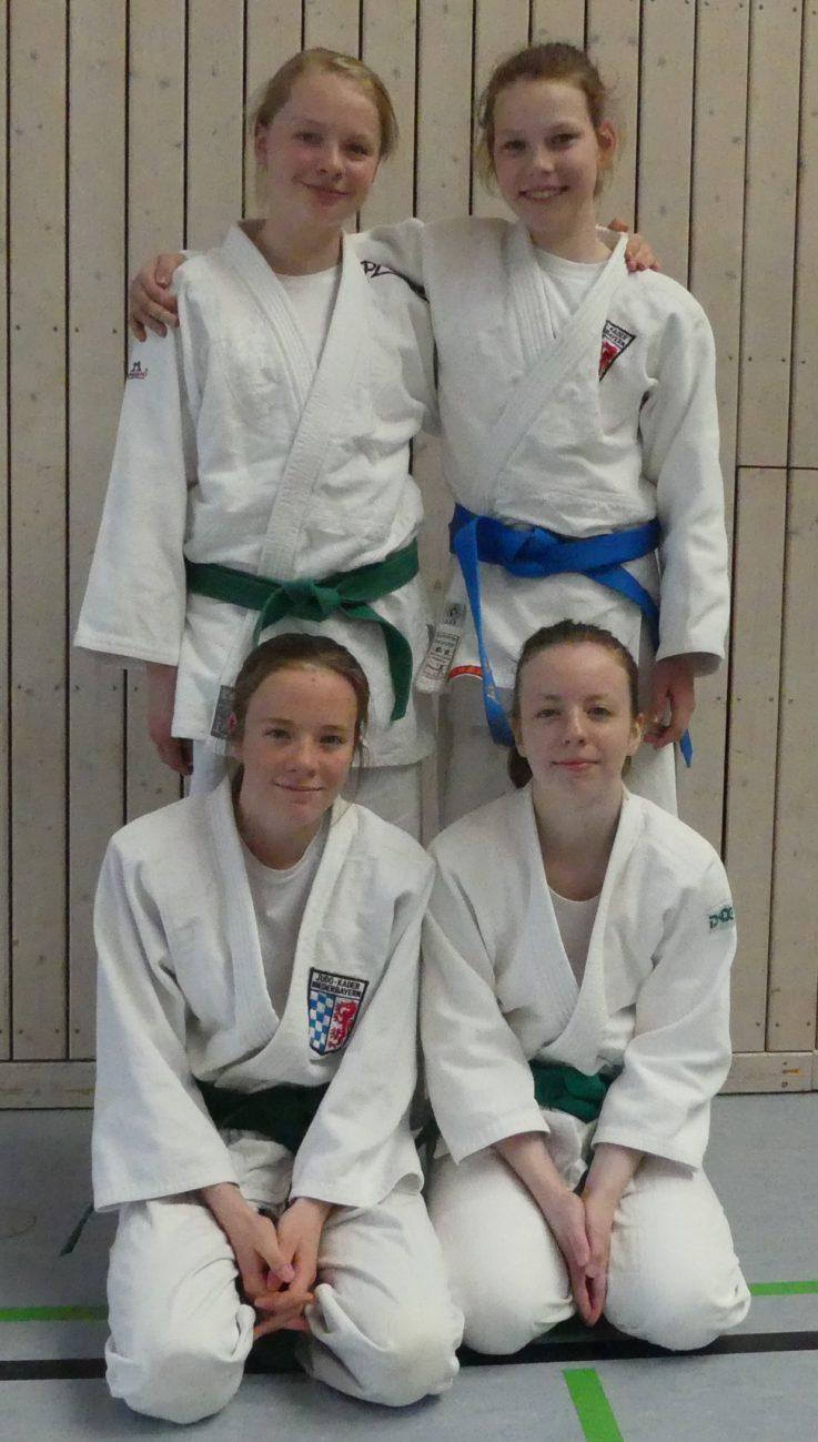 4 neue Blaugurtträgerinnen bei der Judoabteilung