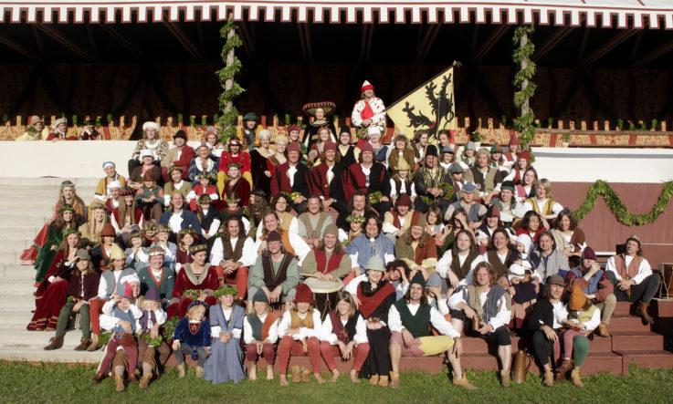 Fototermin für TGL-Mitglieder mit Landshuter-Hochzeits-Kostüm