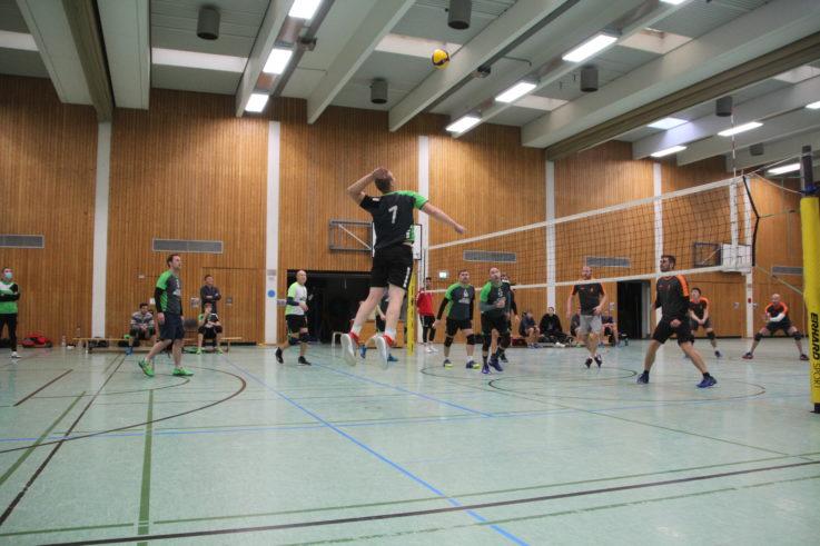 Volleyball: TG-Herren liefern den Raben einen großen Kampf – U20-Mädels müssen Doppelerfolg teuer bezahlen